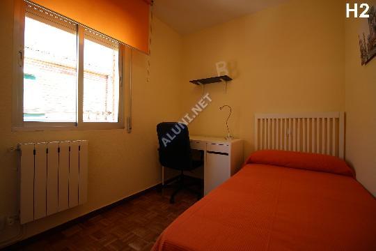 غرفة مفروشة بالكامل مع  انترنت، وتقع في منطقة من منطقة Madrid في مدينةVicálvaro URJC عن سعر  EUR الوحيد309 (1462H2, foto favorita)