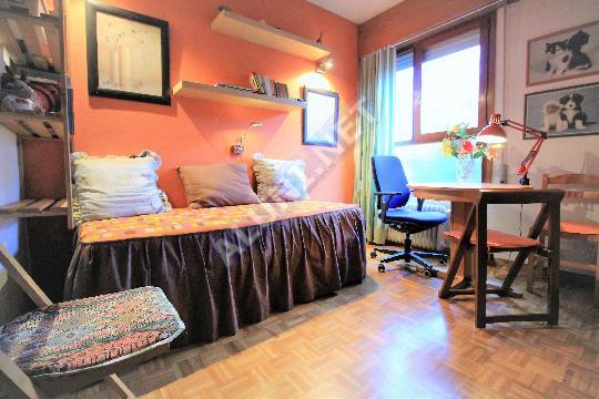 غرفة مفروشة بالكامل مع  انترنت، وتقع في منطقة من منطقة Madrid في مدينةEstrella عن سعر  EUR الوحيد380 (1753H1, foto favorita)