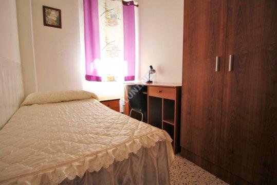 Pokój dla studentów całkowicie umeblowany z internetem, znajdujący się  w Vicálvaro URJC w  Madrid tylko za 280 euro (301H1, foto favorita)