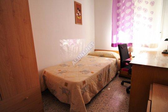 Студенченская меблированная комната с интернетом, расположенна в Vicálvaro URJC, в Madrid  всего лишь за 280 евро (301H2, foto favorita)