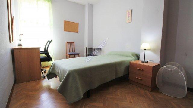 Pokój dla studentów całkowicie umeblowany z internetem, znajdujący się  w Valdebernardo w  Madrid tylko za 320 euro (36H2, foto favorita)