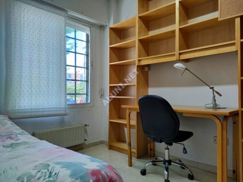只用 350 €,即可在 Madrid 的Valdebernardo 区租住一间精装带无线网络的学生公寓 (502H1, foto favorita)