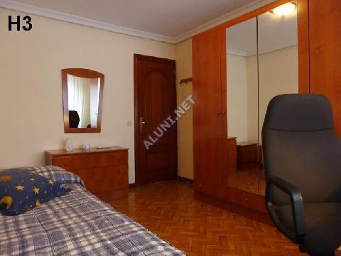 Quarto para estudantes completamente mobilados e com internet, situada na zona de Vicálvaro URJC, em Madrid por apenas 320 € (505H3, foto favorita)