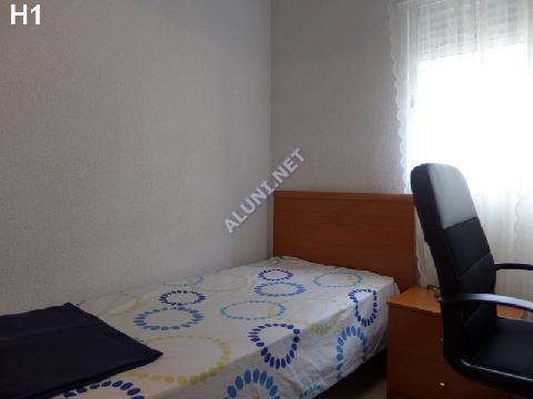 غرفة مفروشة بالكامل مع  انترنت، وتقع في منطقة من منطقة Madrid في مدينةSan Cipriano عن سعر  EUR الوحيد285 (61H1, foto favorita)