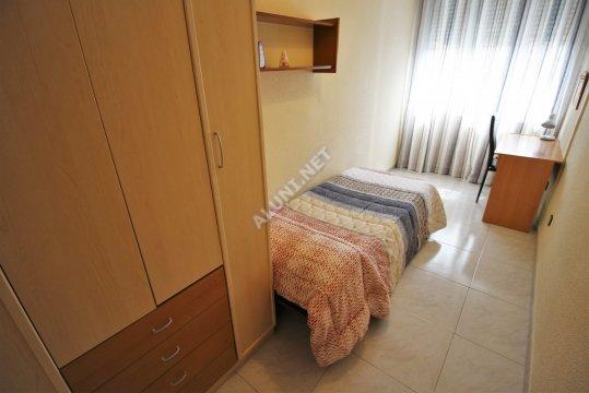 غرفة مفروشة بالكامل مع  انترنت، وتقع في منطقة من منطقة Madrid في مدينةSan Cipriano عن سعر  EUR الوحيد310 (654H2, foto favorita)