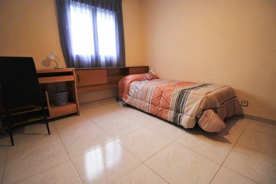🛌  Студенченская меблированная комната с интернетом, расположенна в San Cipriano, в Madrid  всего лишь за 320 евро (654H3, foto favorita)