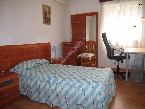 只用 380 €,即可在 Madrid 的Artilleros 区租住一间精装带无线网络的学生公寓 (664H3, foto favorita)