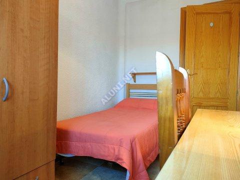 只用 260 €,即可在 Madrid 的Vicálvaro URJC 区租住一间精装带无线网络的学生公寓 (7H2, foto favorita)