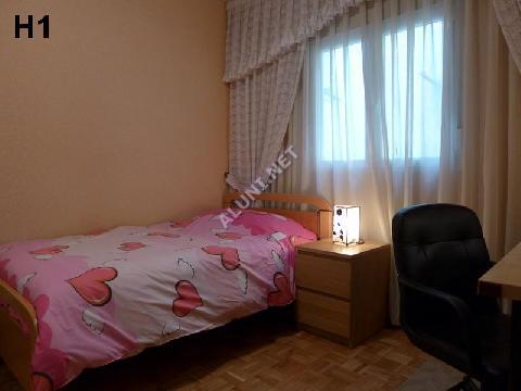 Quarto para estudantes completamente mobilados e com internet, situada na zona de San Cipriano, em Madrid por apenas 340 € (795H1, foto favorita)