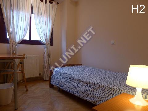 غرفة مفروشة بالكامل مع  انترنت، وتقع في منطقة من منطقة Madrid في مدينةSan Cipriano عن سعر  EUR الوحيد345 (92H2, foto favorita)